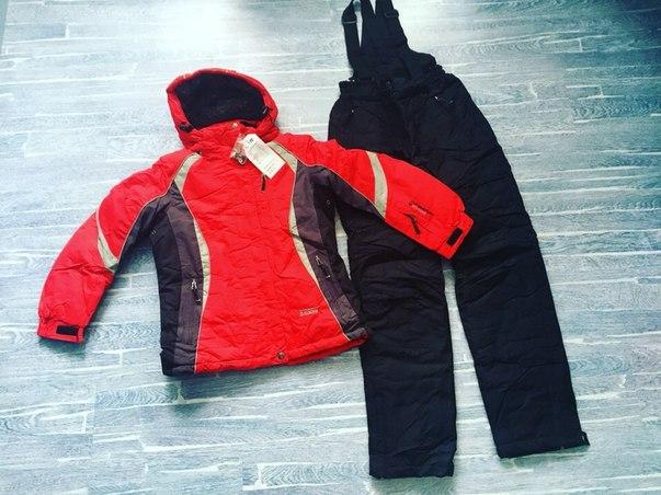 женский зимний костюм красный