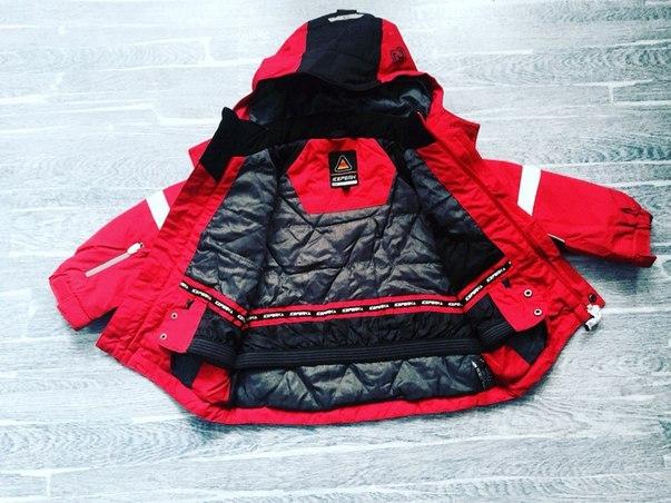 красная куртка для мальчика
