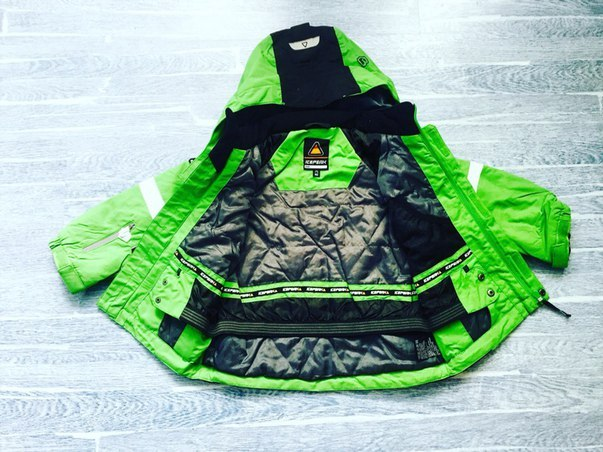 салатовая зеленая зимняя куртка для мальчика